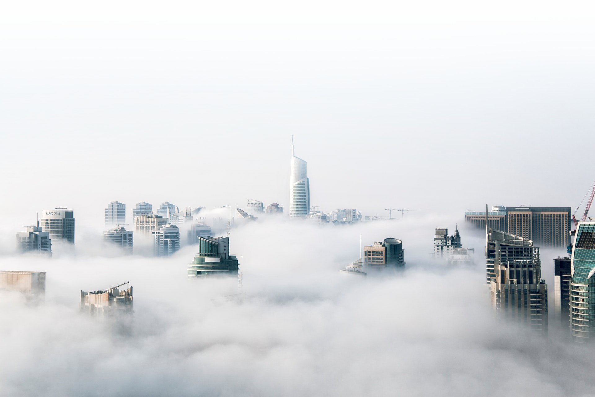 Skyscrapers and Clouds - LivingTech Webagentur